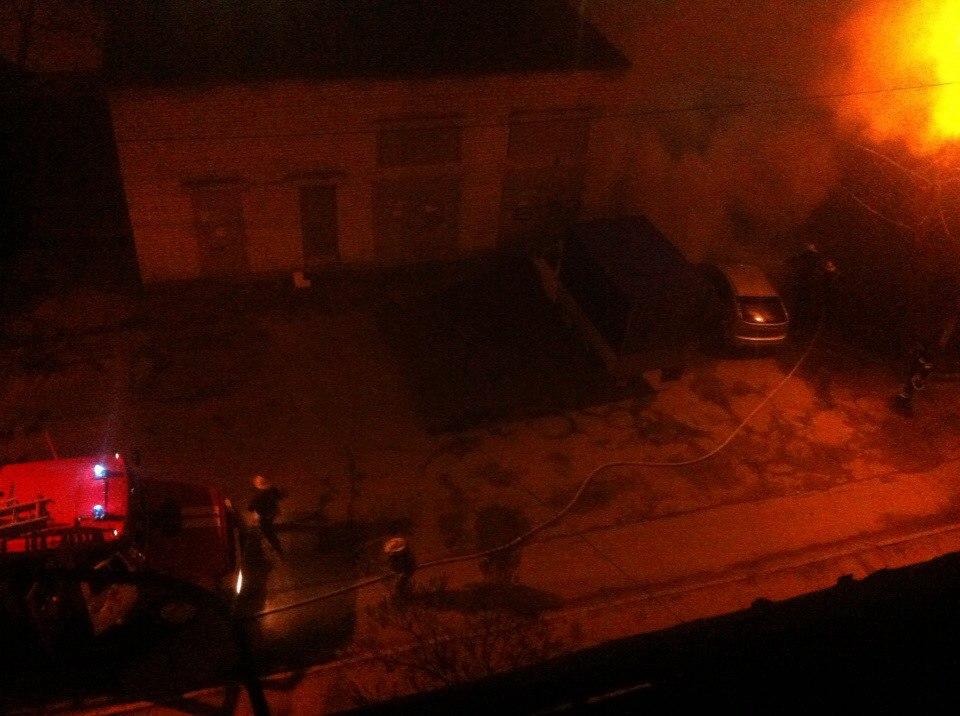 Этой ночью в Харькове горело очередное авто (ФОТО)