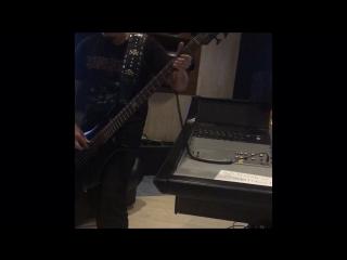 Запись бас гитары на новый альбом группы