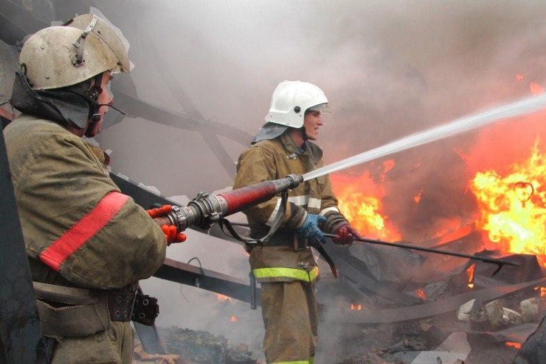 В станице Зеленчукской сгорел частный дом