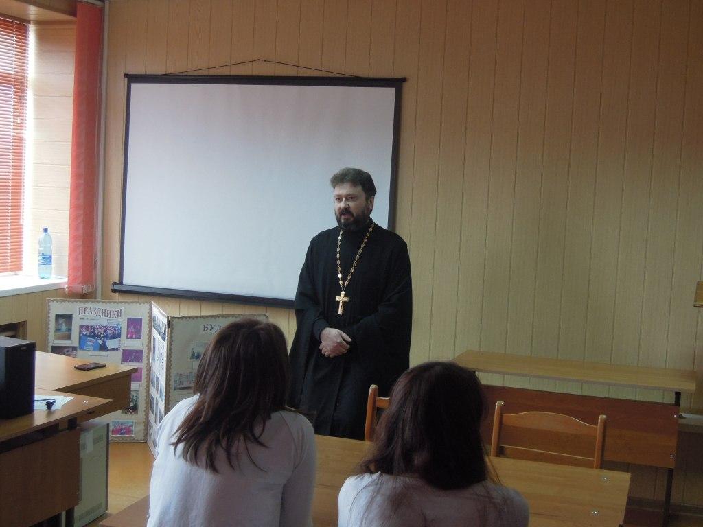 Студентам станицы Зеленчукской рассказали о «Последствиях зависимости от вредных привычек»