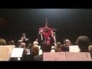 Кал-кал ,Прекрасно танцующий Балет зигующий дирижёр на 1:42
