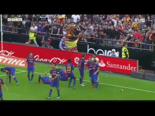 Фанаты Валенсии попали бутылкой по голове игрокам Барселоны