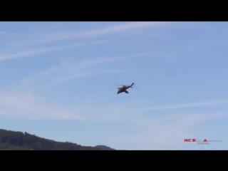 Гигантский вертолет на пульте управления, МИ-24