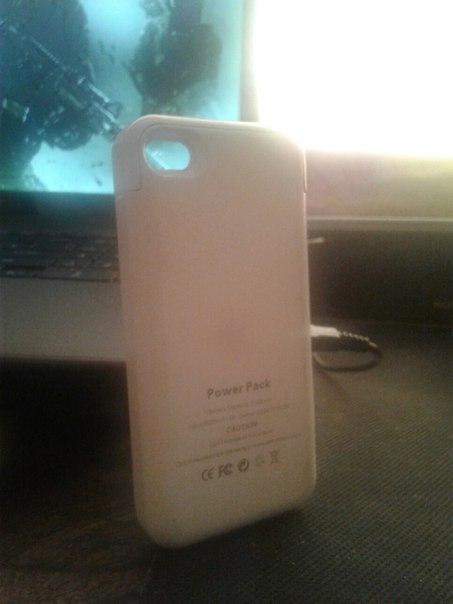 Обмен срочно . Зарядка чехол для iphone 4 4s в отличном состоянии ,пок