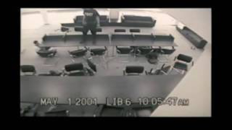 Эрик Харрис и Дилан Клиболд в школе Колумбайн 20 апреля 1999 г(Литтлтон, Колорадо, США)