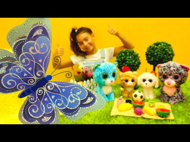 Hayvan bakma oyunu! Evcilik oyuncaklarla kız oyunu! Okul öncesi meyve öğretimi. Kız oyuncakları