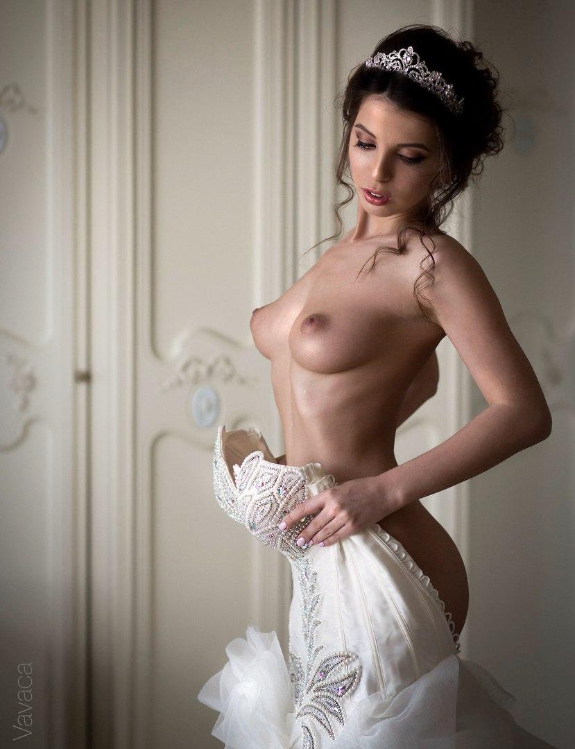 Smooth stunning hottie in her wet panty