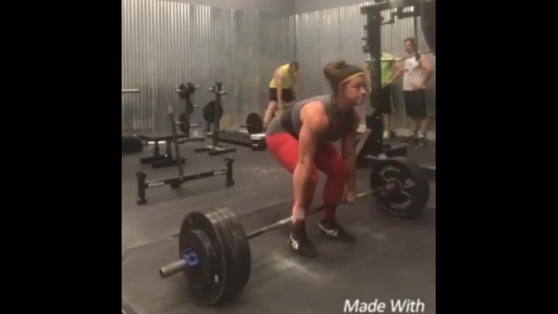 Сара Льюис, тяга 206,5 кг на 6 раз