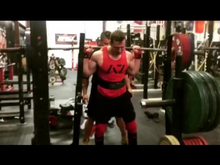 Джон Хаак - присед 330 кг (85.7 кг) в бинтах