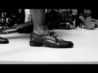 Реклама обуви Arezzo зима 2011