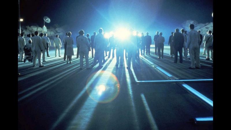 «Близкие контакты третьей степени» |1977| Режиссер: Стивен Спилберг | драма, фантастика