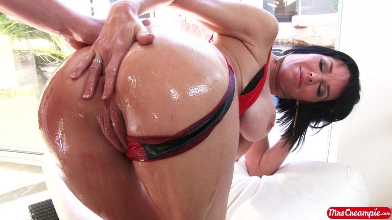 Veronica Avluv - MILF asks to fuck her asshole - oily anal sex cougar big butt matured - милфа молит об анале - вероника авлув