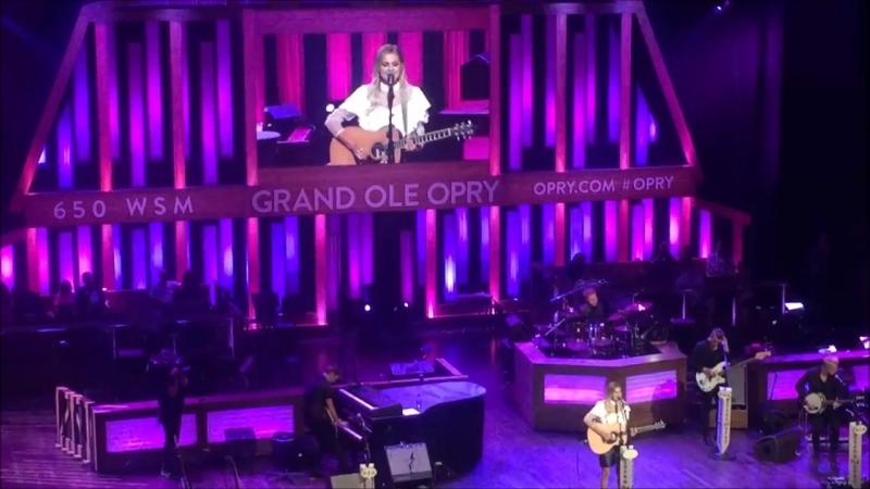 Kelsea Ballerini - Yeah Boy (Live at Grand Ole Opry 2017)