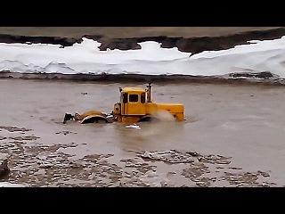 К 700, К 701 Кировцем по бездорожью и не только! Большому трактору - большое плавание...