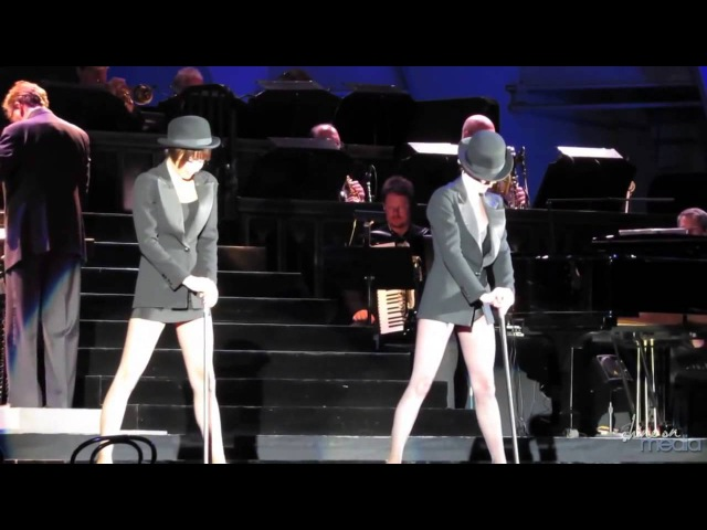 Samantha Barks and Ashlee Simpson Perform Nowadays CHICAGO at Hollywood Bowl Night 3