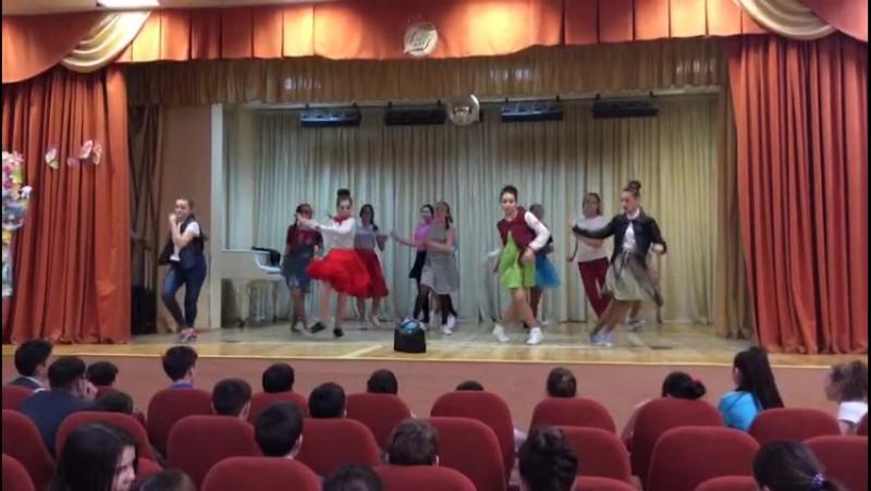 8В класс 33 школа. большие танцы VID-20170407-WA0027