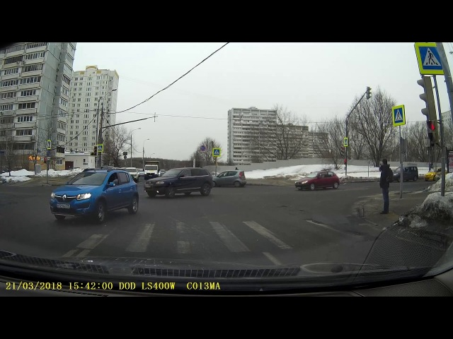 Авария на пересечении Академика Анохина и Тропаревской улицы
