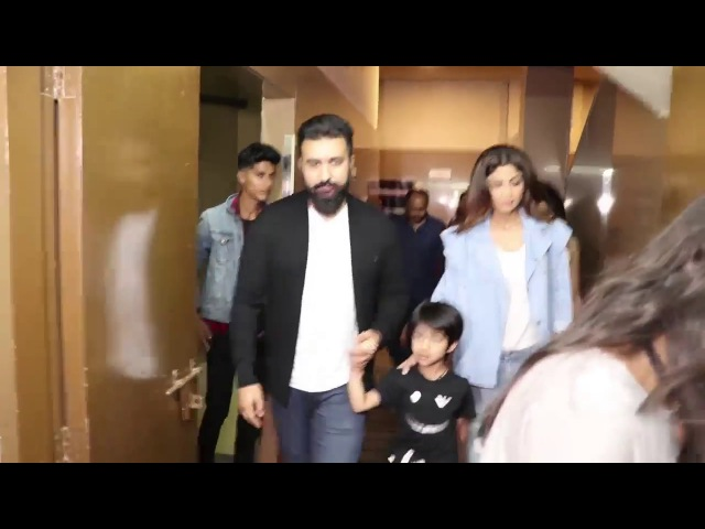Shilpa ShettyAnd Hrithik Roshan With Family Spotted At Juhu PVR