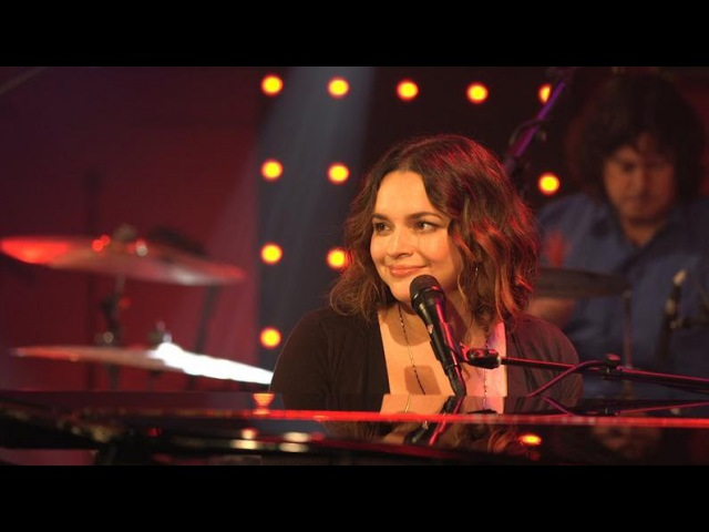 Norah Jones - Don't Know Why dans le Grand Studio RTL
