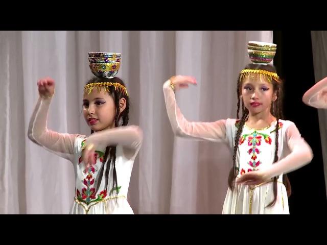 Танцевальный Ансамбль народного танца Интизар-уйгурский танец с пиаламиЧин т ...