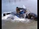 Вездеход самоделка, трех колесный, плавает по озеру
