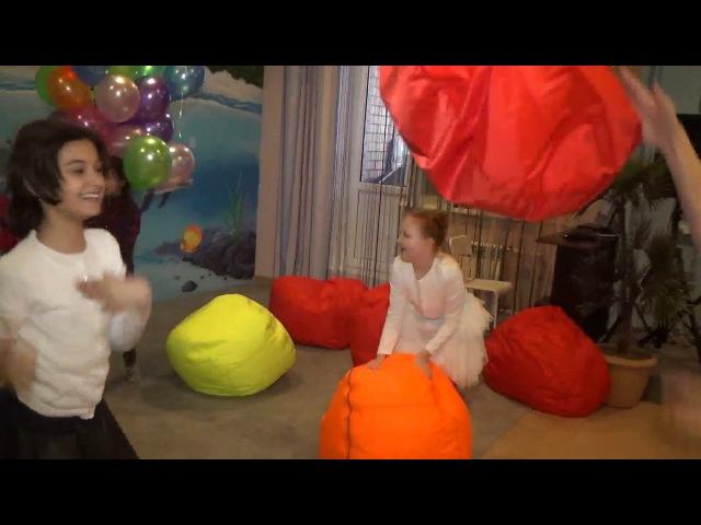 Children's game Детские игры キッズゲーム Kinderspiel Jeux d'enfants العاب اطفال Jogos de bebê 孩子们的游戏