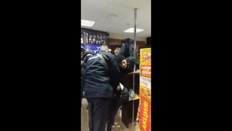 Двое несовершеннолетних почитателей АУЕ утроили дебош в магазине