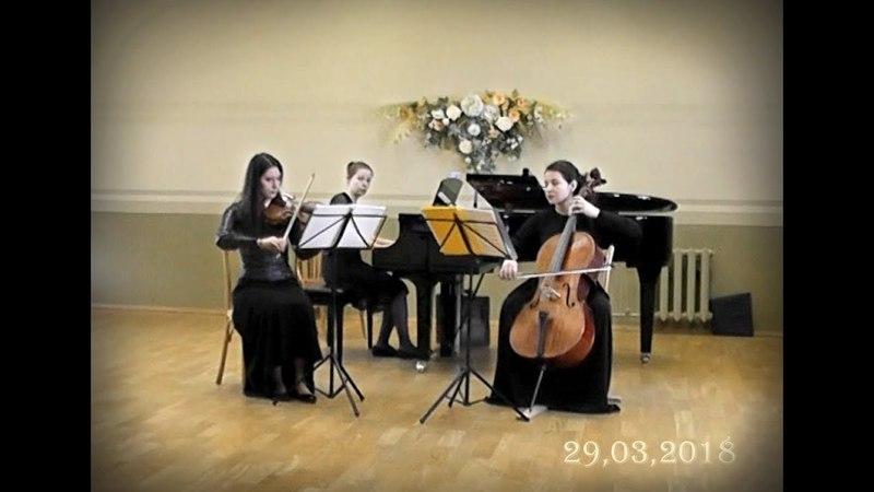 J.Haydn.Trio F-dur(II,III). B.Martinu Bergerettes(1,2)
