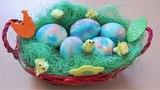Мраморные яйца красителями  . Как покрасить яйца красителями красиво .