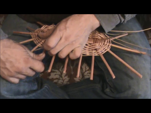KOŠÍKÁŘSKÁ ŠKOLA KOŠÍKÁŘE KRÁLE - pletení oválného (nákupního) koše