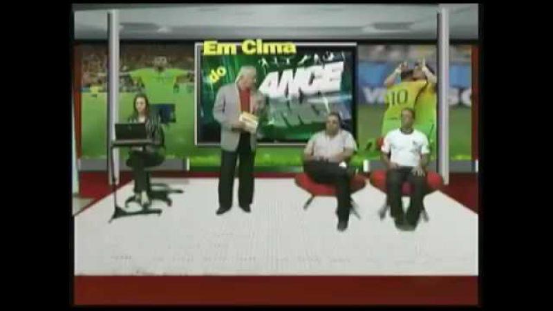 AO VIVAÇO DE ALGUM BB OU ALGUMA MESA REDONDA ESPALHADA NA TARDE DESSE BRASILZÃO A FORA