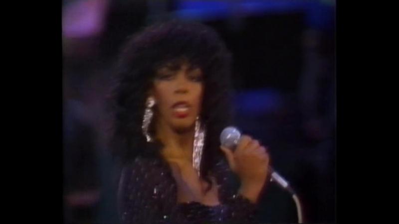 Donna Summer - Bad Girls. Hot Stuff (Live 1983)