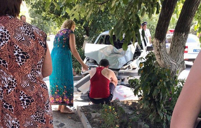 20-летний таганрожец на «ВАЗ-2115» насмерть сбил женщину возле ее дома