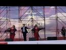 Феликс Царикати с подтанцовкой Под русскую гармошечку 17.06.2017 на концерте в Парке Патриот