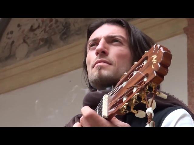Эстас Тонне. Уличный музыкант. Гитарист поцелованный Богом.