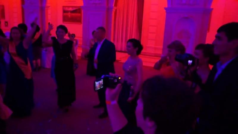 Банкет директоров в Алматы! Какие же все счастливые, эмоции зашкаливают. Ещё чуть-чуть и я там буду! 😎