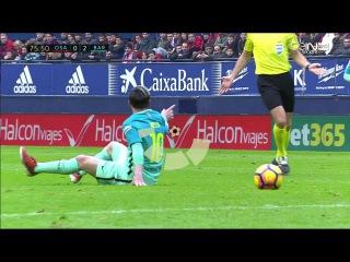 Impresionante lección de 'fair play' de Messi - Osasuna vs FC Barcelona 0-3