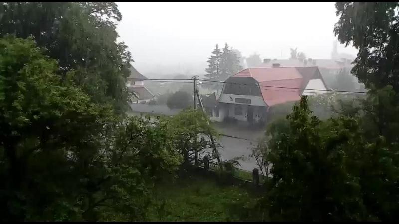 Полеск дождик.
