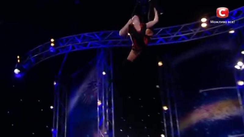 Девушка на канате летает по сцене - Мария Шевченко. Україна має талант Пятый кас