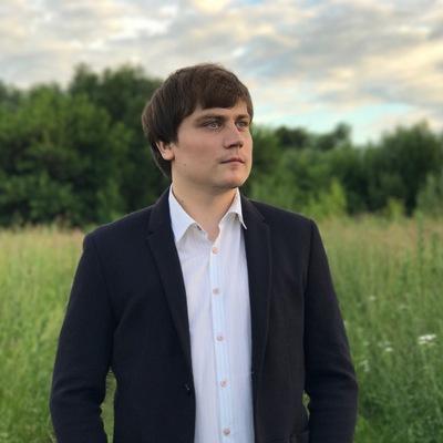 Антон Старов