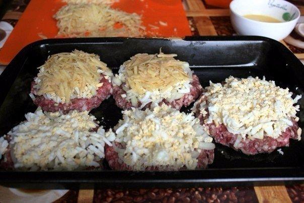 Стожки - блюдо из мясного фарша Ингредиенты: фарш мясной