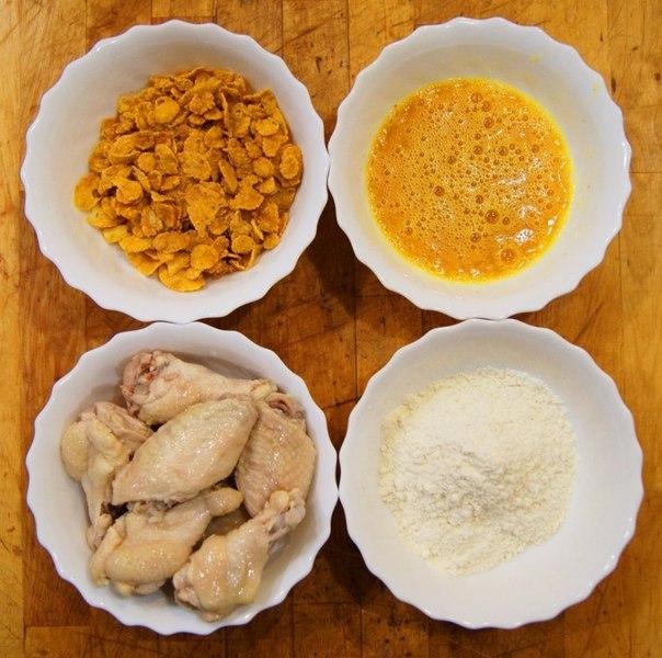 КРЫЛЫШКИ А-ЛЯ KFC ИНГРЕДИЕНТЫ: ● крылышки ● масло растительное ● паприка ●