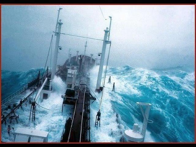 Смертельно и невероятно красиво, шторм в бушующем Море. Storm - The Raging Sea.