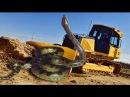 Mega Machines vs Giant Snake - Trăn khổng lồ ngu người đối diện máy múc gây chấn động
