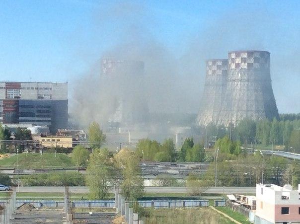 Очевидцы выложили в Сеть кадры крупного пожара на ТЭЦ в Тюмени