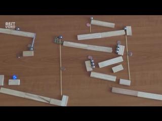 Гениальная машина Голдберга из магнитов и шариков