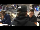Джеи раздают автографы (прямая трансляция)