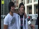 Камиль и его друзья дают интервью