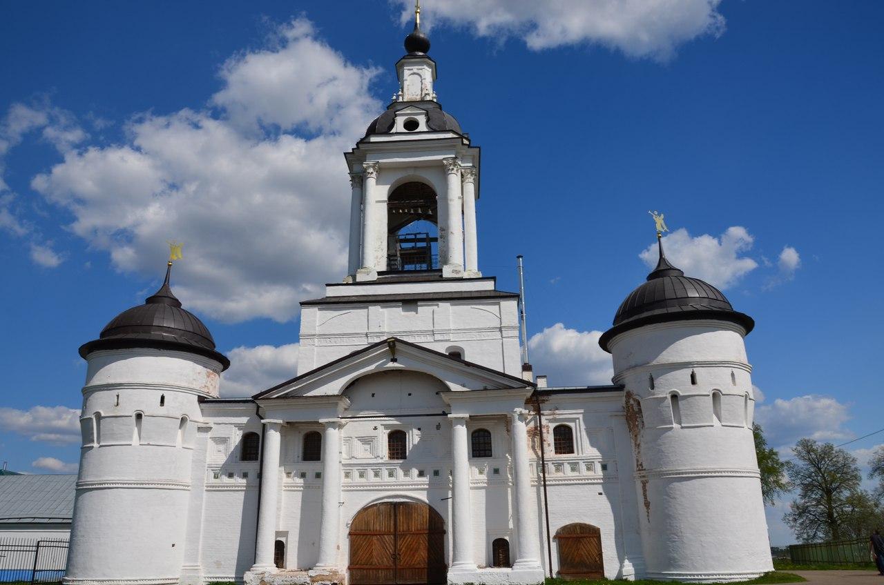 9pxXIFsagbo Ростов Великий один из древнейших городов России.