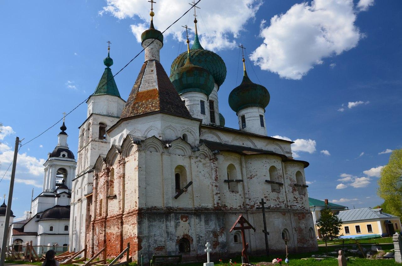 m0Ts8AIqMs0 Ростов Великий один из древнейших городов России.